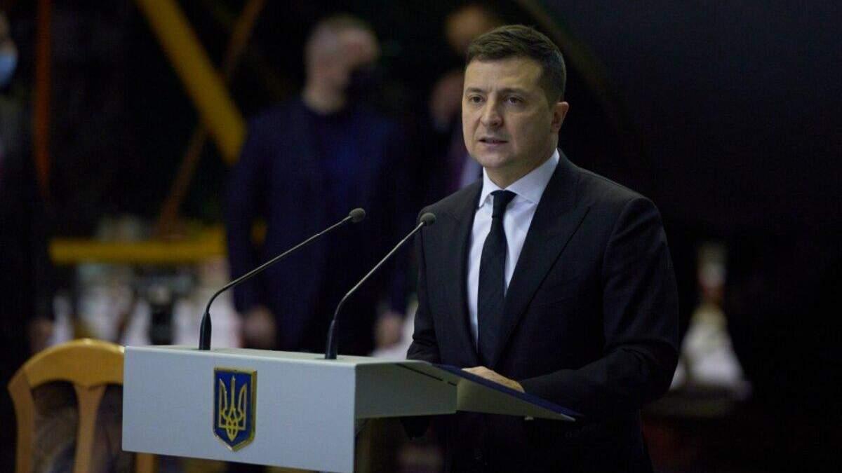 """Украина заказывает у """"Антонова"""" три новых самолета для армии, – Зеленский"""