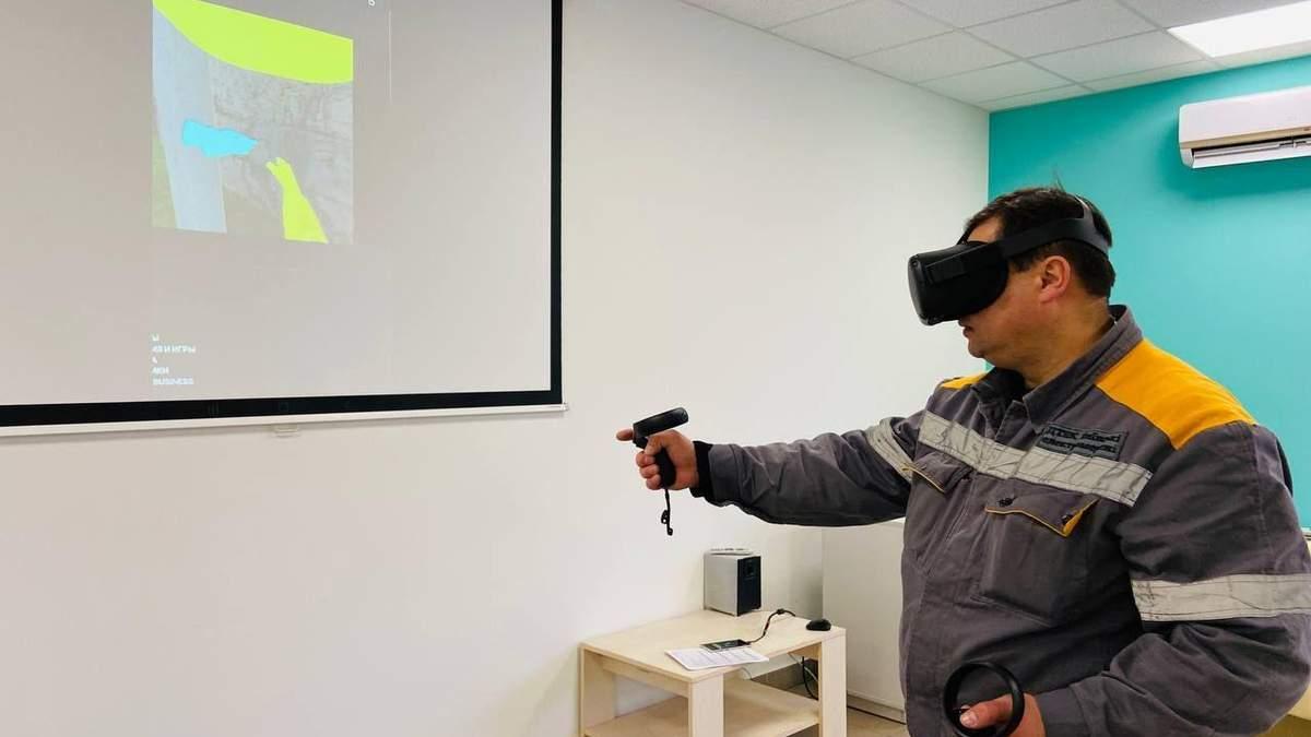ДТЭК Сети обучает электромонтеров с помощью виртуальной реальности