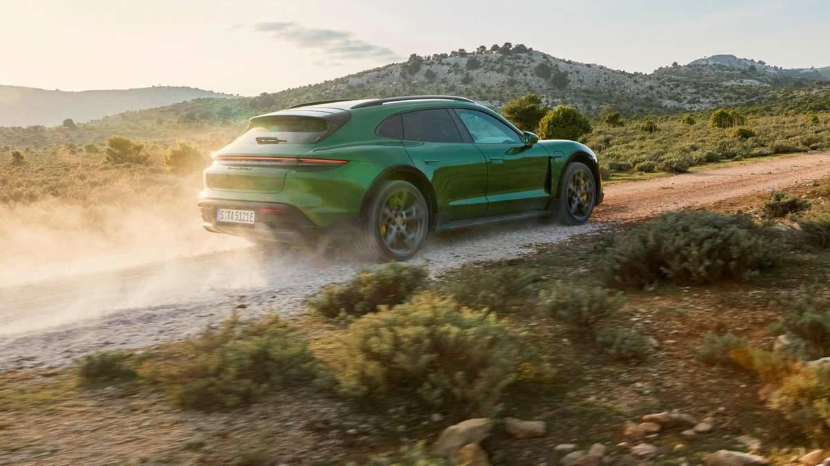 Новый электрический спорткар Porsche Taycan Cross Turismo: фото