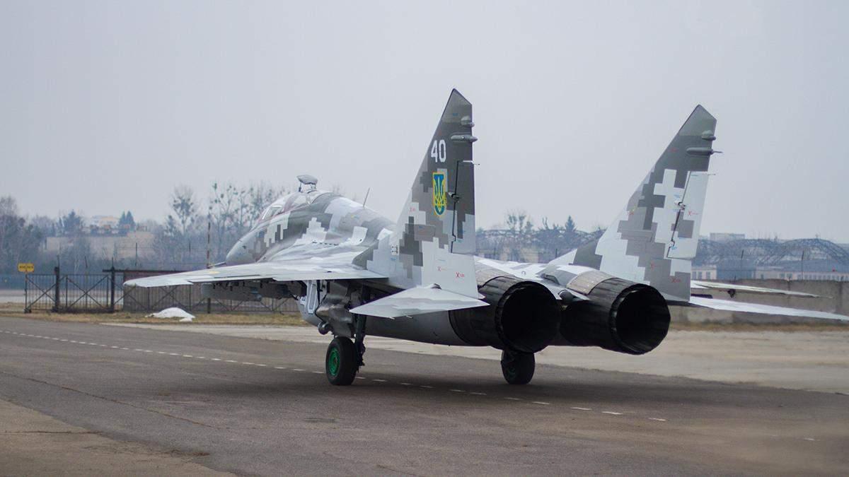 Для Воздушных сил Украины отремонтировали истребитель: фото, видео
