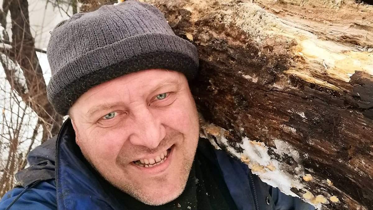 Українець Ігор Хома робить унікальні меблі з коріння дерев: фото