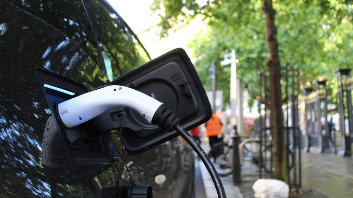Когда электрокары будут дешевле, чем машины на ископаемом топливе