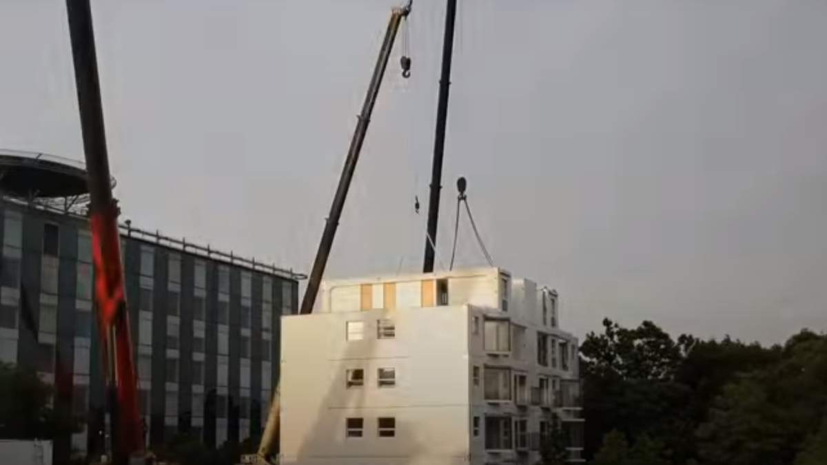Китайцы построили 10-этажный дом за сутки: видео