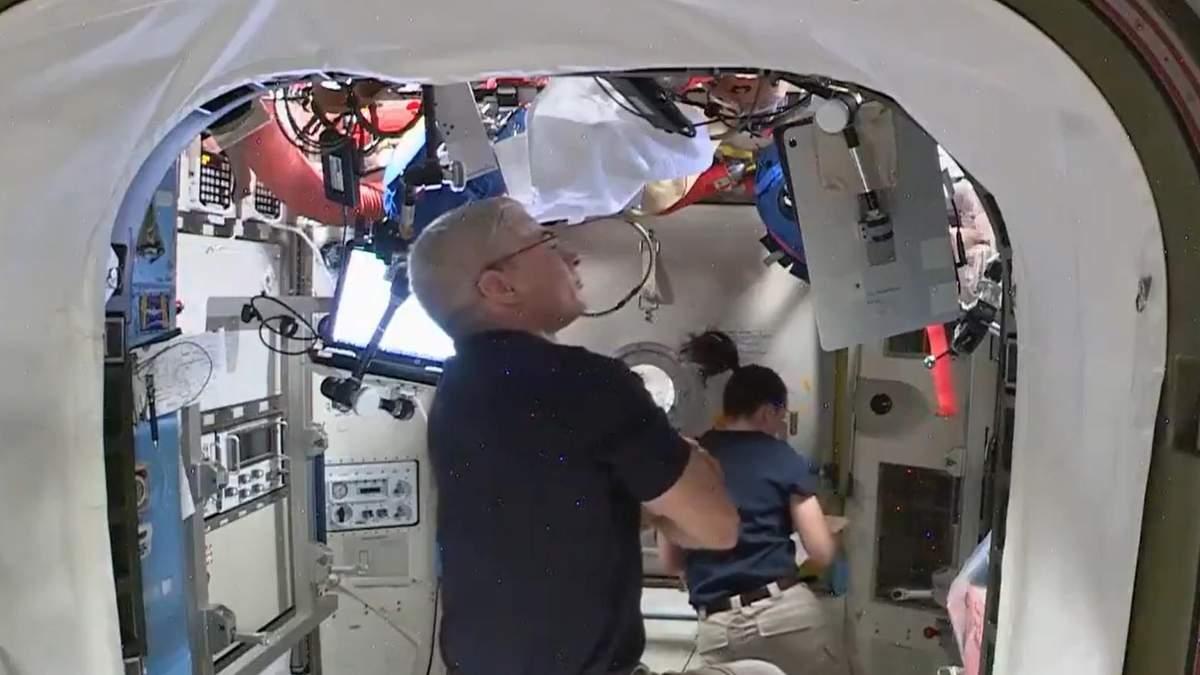 НАСА разрабатывает способ стирки одежды в космосе