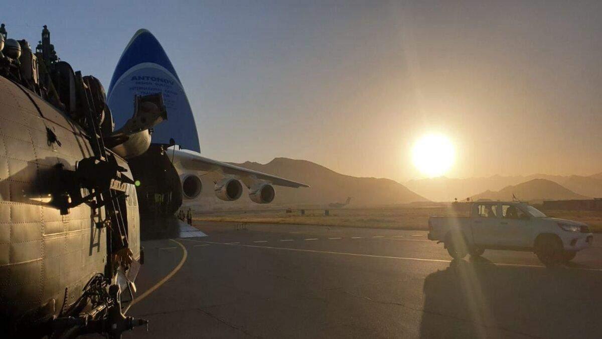 Ан-225 Мрия перевез из Кабула три вертолета Puma ВВС Великобритании