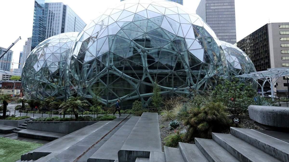 Через рекордну спеку Amazon відкрила центр охолодження у США
