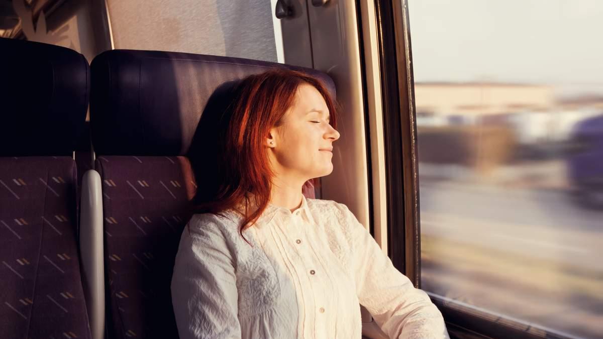 Комфортна мандрівка у потязі: корисні лайфхаки для пасажирів