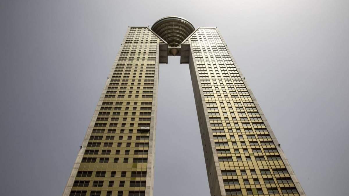 В Іспанії звели 47-поверховий хмарочос Intempo: фото, ціна квартир