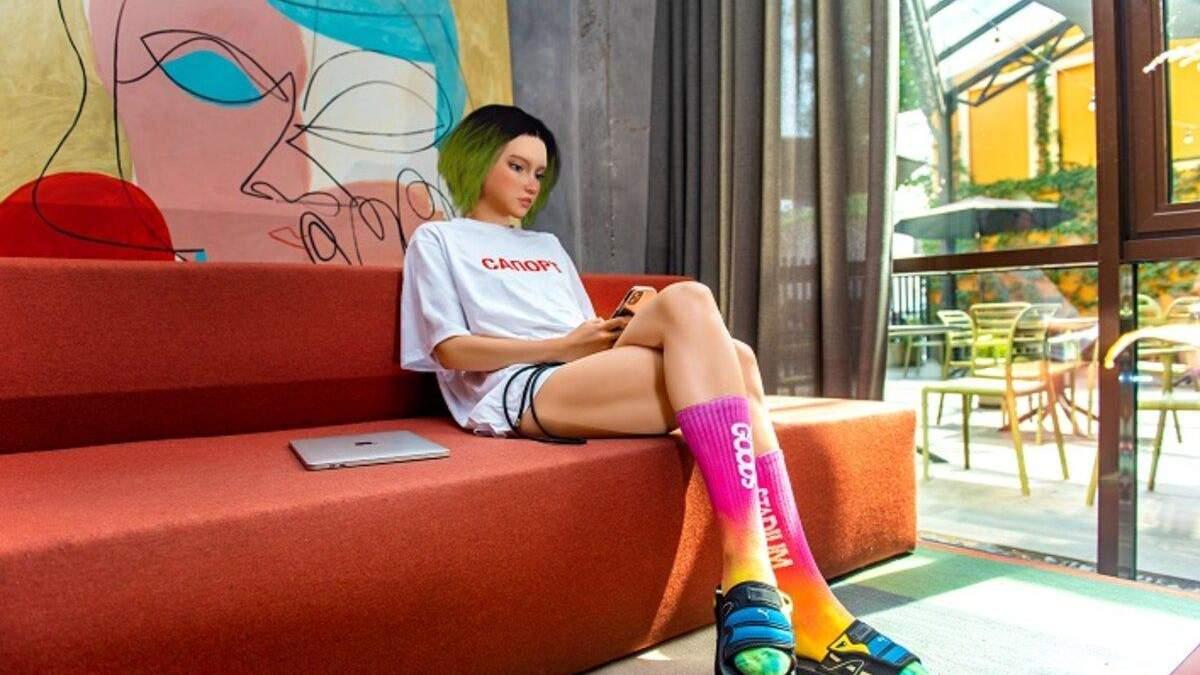 Цифрова блогерка Astra Star