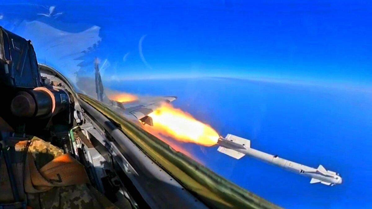 Украинские истребители отработали пуски управляемых ракет Р-73 - Инновации
