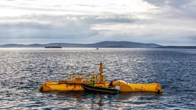 Шотландці випробовують генератор, який переробляє енергію морських хвиль