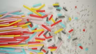 Чеські вчені створили крихітних роботів, які руйнують мікропластик