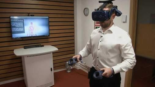 Викладачі анатомії використовують VR-окуляри на заняттях: вражаюче відео