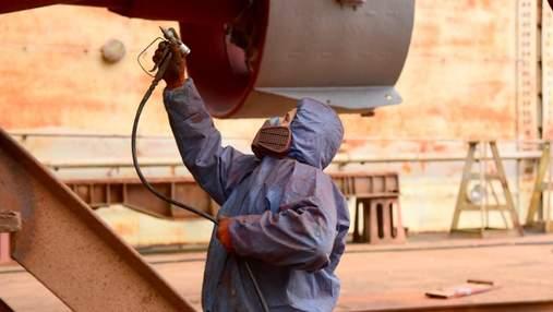 Украинский завод отремонтировал 100-метровое иностранное судно: фото