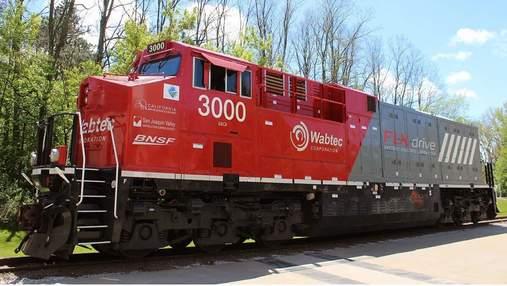 Первый в мире аккумуляторный электрический локомотив сократил расход топлива на 11%