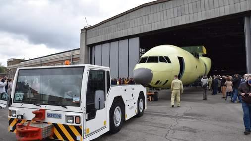 """""""Антонов"""" показал фюзеляж новой модели самолета для украинской армии"""