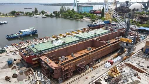 """Завод """"Нибулон"""" завершает строительство нового 100-метрового несамоходного судна"""