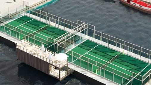 Среди Стокгольма появились плавучие теннисные корты: фото, видео