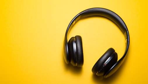 Японці розробили навушники, які вимірюють рівень алкоголю в організмі людини