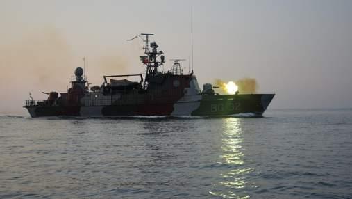 Пограничники и бойцы ВСУ провели ночные учения в Азовском море: что известно