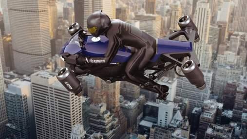 Jetpack Aviation незабаром запустить у продаж свій летючий мотоцикл: скільки коштуватиме