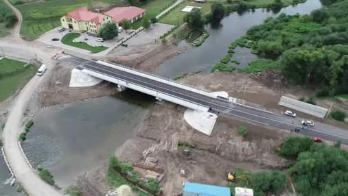 На Тернопільщині відкрили рух відбудованим мостом: що змінили