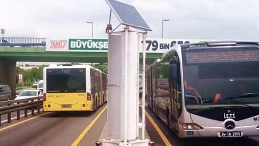 У Стамбулі встановили турбіни, які перетворюють вітер від руху транспорту на енергію: як працює