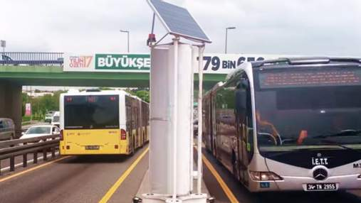 В Стамбуле установили турбины, что превращают ветер от движения транспорта в энергию