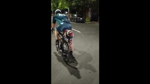 В Тайване мужчина оборудовал велосипед турбореактивным двигателем: скорость впечатляет – видео