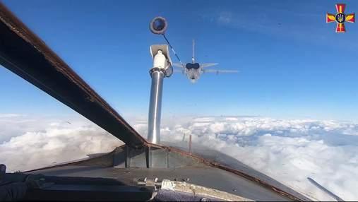 Бомбардувальники ЗСУ відпрацювали дозаправку у повітрі